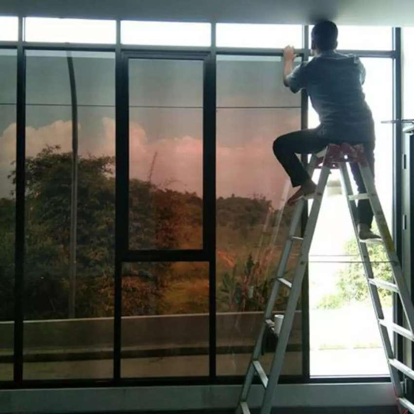Tersedia berbagai merk kaca film gedung