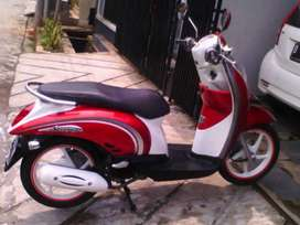 Honda Scoopy Merah putih di djayamotor melayani cash dan kredit