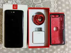 Oneplus 5t new condition with box