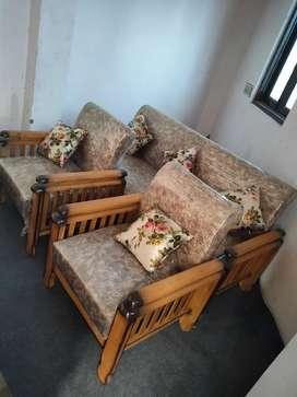 Brand new sofa set wooden 5 seatet