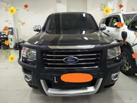 FORD EVEREST 2.5 XLT AT