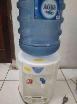 dispenser  miyako plus galon aqua  bisa panas dan netral  maaf harga p