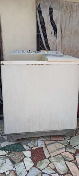 L. G. Washing machine 7kg working on hai half rate me