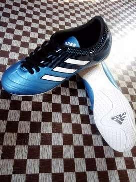 Sepatu Futsal Adidas (Tersedia 2 pcs)