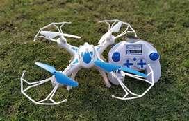 Quadcopter DRONE (camera attachable)