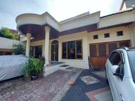 Di jual rumah kos 13 kamar  di jln Cibeber Kebayoran baru Jaksel