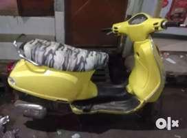 Vaspa scooter bech rha hu urgent h