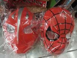 Topeng spiderman dan ultraman