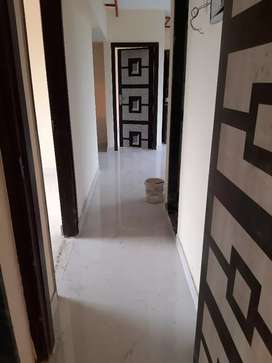 Converted 3bhk + balcony flat on heavy deposit at Grant road