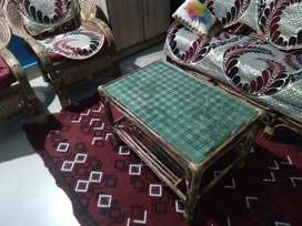 Can sofa with cushion 4+2 seater with center table