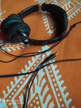 JBL original wired headphones