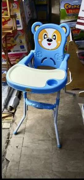 Baby setting eating and playing chairs are available