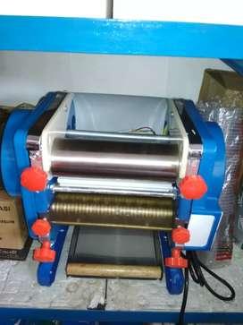 Mesin cetak mie juga kue stik otomatis
