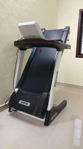REEBOK JET FUSE 100 TREADMILL (Motorized)