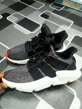 adidas prophere core black solar red size 40