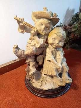 Patung Capodimonte Italy dua orang tinggi 24cm keramik