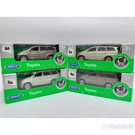 Welly Mobil Toyota Kijang Innova (Harga Paket / 4 mobil)