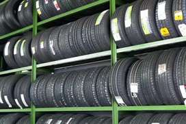 20% TO 30% USED SECOND HAND TYRES FOR ALL VEHICLES AVAILABLE.
