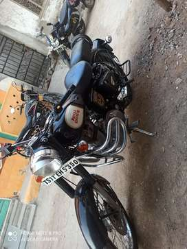 I want to sale my Royal Enfield 2016 model 10 month black color