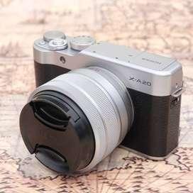 Fujifilm X-A20 kit 15-45mm OIS PZ SILVER kode 1111J19