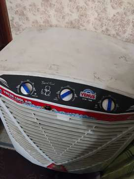 Venus air cooler like new it's ac not dc