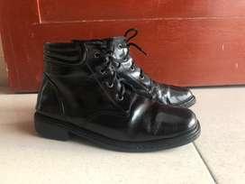 Sepatu ex pilot