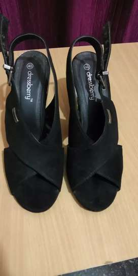 DRESSBERRY brand women black heels