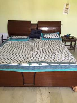 1 room fully furnished in Chandigarh for rent for girls