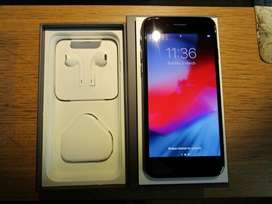 iphone 8 with all accessories in superb condition