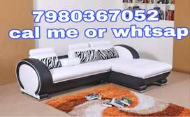 Branded 5 seater Italian sofa set in black and white color from dealer