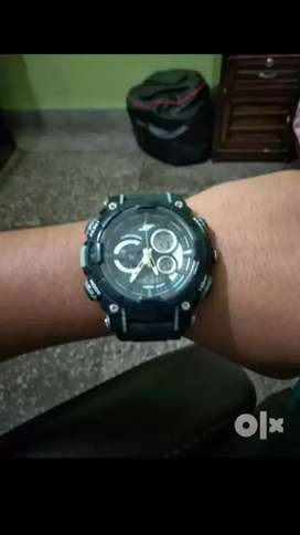 Excellent condition Sonata watch.rate ghat hoje ga.only 1 year use.