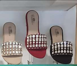 Available for whole sell quantity imported ladies shoes in low rates