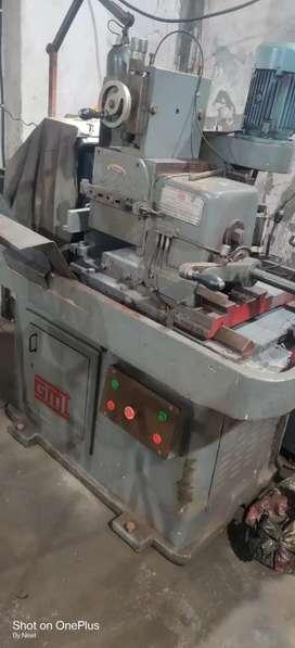Centerless Machine Operator