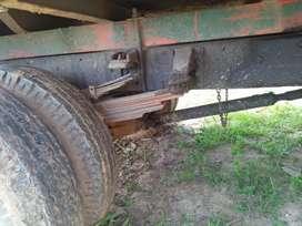 Di jual truk pengangkut sawit dan bangunan sehat terawat bak besi
