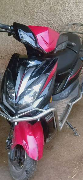 TNR ELECTRONIC SCOOTY NEW CONDITION 6 MONTH OLD