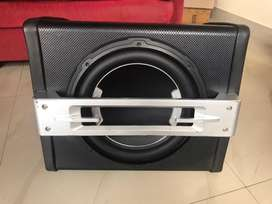 Bass tube with amp
