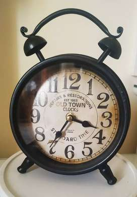 Clock antique style branded (OLD TOWN CLOCKS)