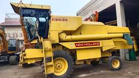 New Holland 8060 combine harvester.87 model