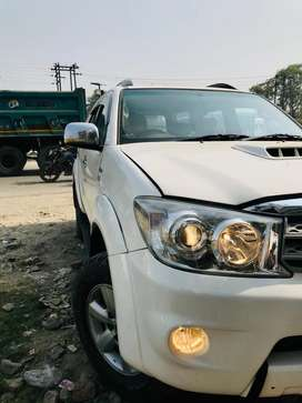 Toyota Fortuner 2010 a perfect suit for offroading!!
