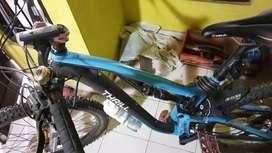 Sepeda gunung thrill T 140 .full apgred