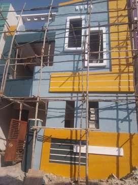 Apartment building 2 floors 2 houses each floor 125 Gajalu