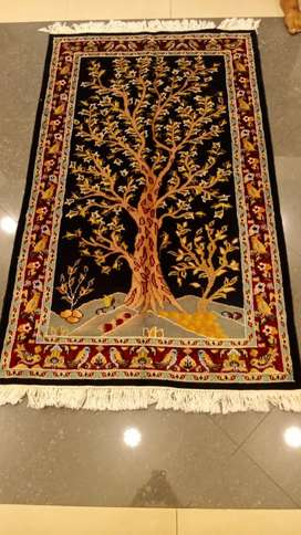 PERSIAN PICTORIAL HAND CRAFTED CARPET