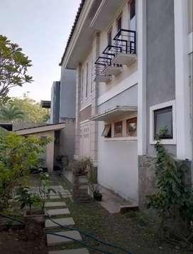Dijual Rumah Mewah Cantik Di BSD Anggrek Loka