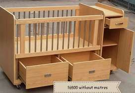 Beautiful baby cot for kids