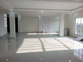 i-8 Beautiful space for rent 4000 sq ft huge parking ideal location