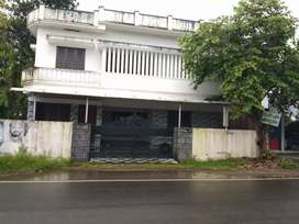 Comnercial or residential purpose house for sale at paravur town