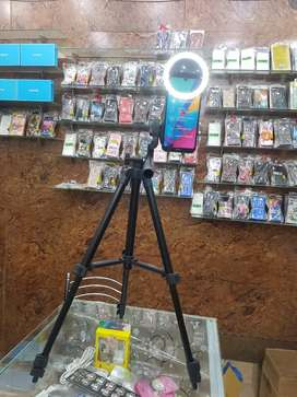 tikto stand and ring light