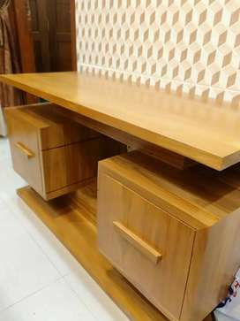 Meja TV kayu jati finish natural