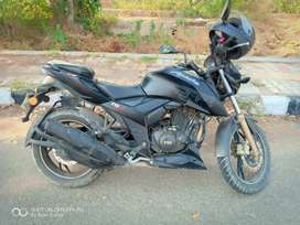 Apache RTR 200 4V @ Rs 75000