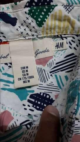H&M  Authentic shirt. Size -M